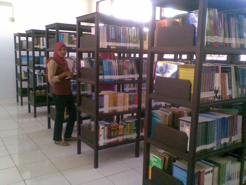 7unidar-ambon-Perpustakaan-2